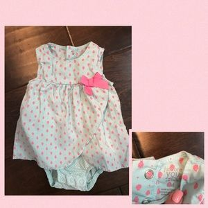 6 baby items for $15! Carter's Dress 6 Months